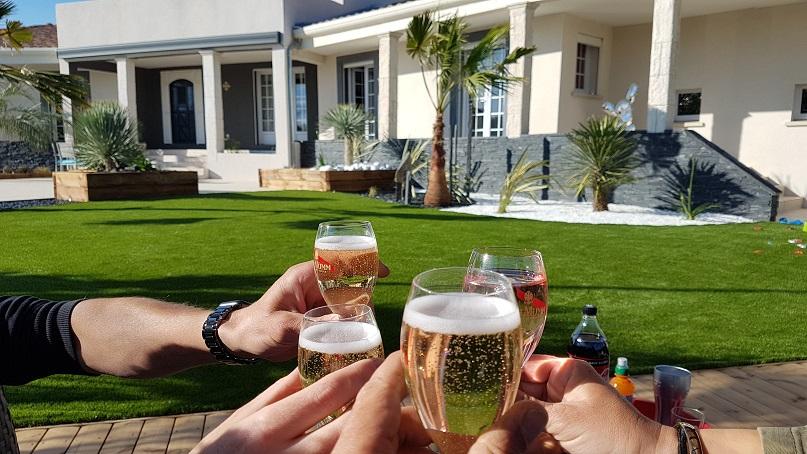 paysagiste Bouzigues, paysagiste Gignac, jardin sec, bassin, gazon synthétique